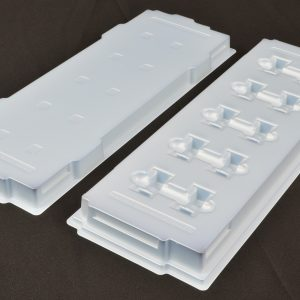 Thermoformed dissipative S680 IPA cleanable tray and cover set for small devices
